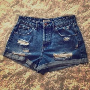 Forever 21 distressed jean shorts sz 26